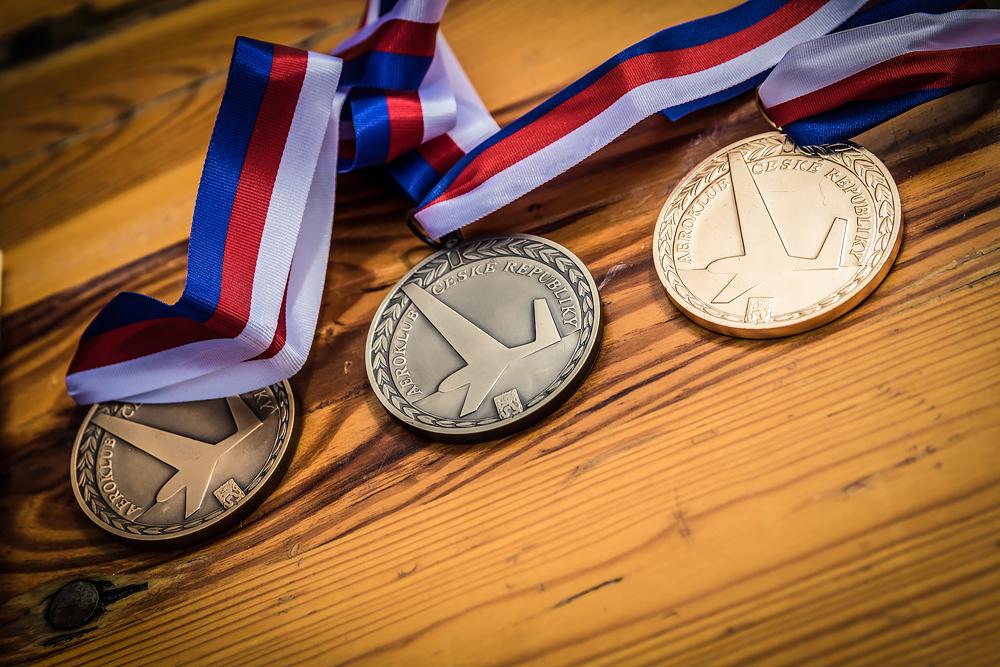 OBRAZEM: Republikový šampionát v motorové akrobacii