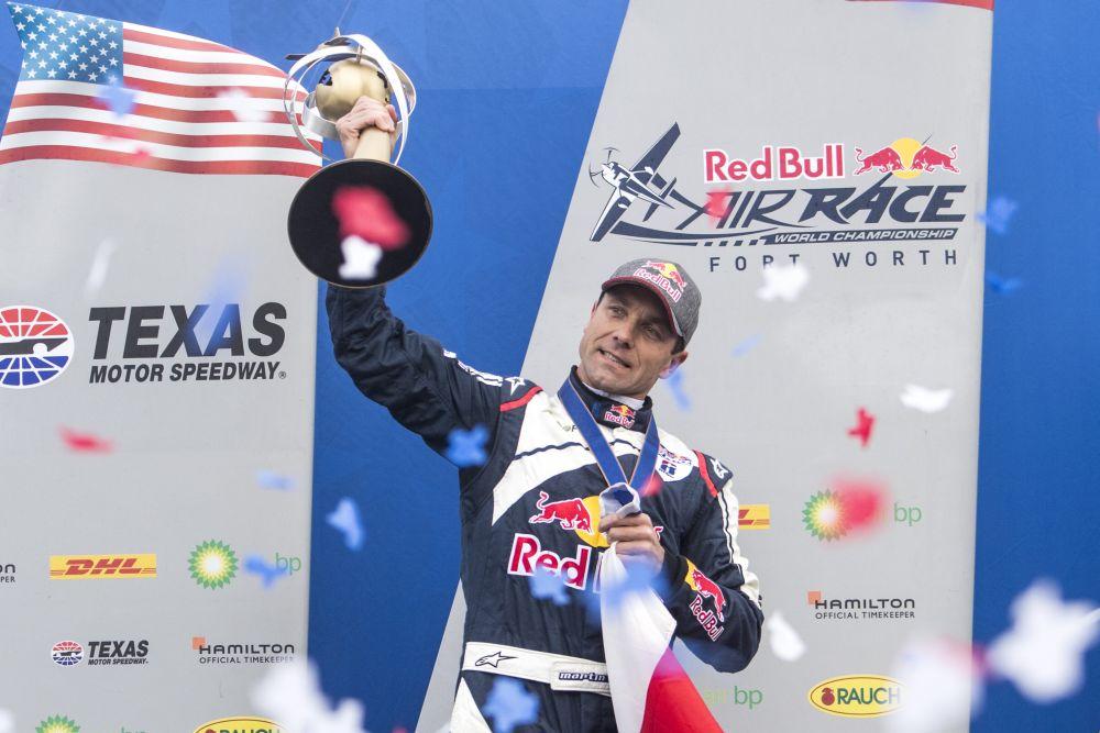 Martin Šonka je mistrem světa Red Bull Air Race 2018