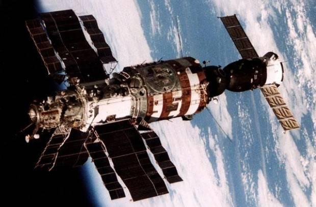 20 let společně na kosmické stanici - 2. část