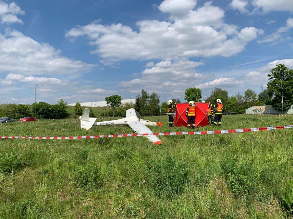 Pilot nepřežil nehodu kluzáku v Hranicích na Moravě