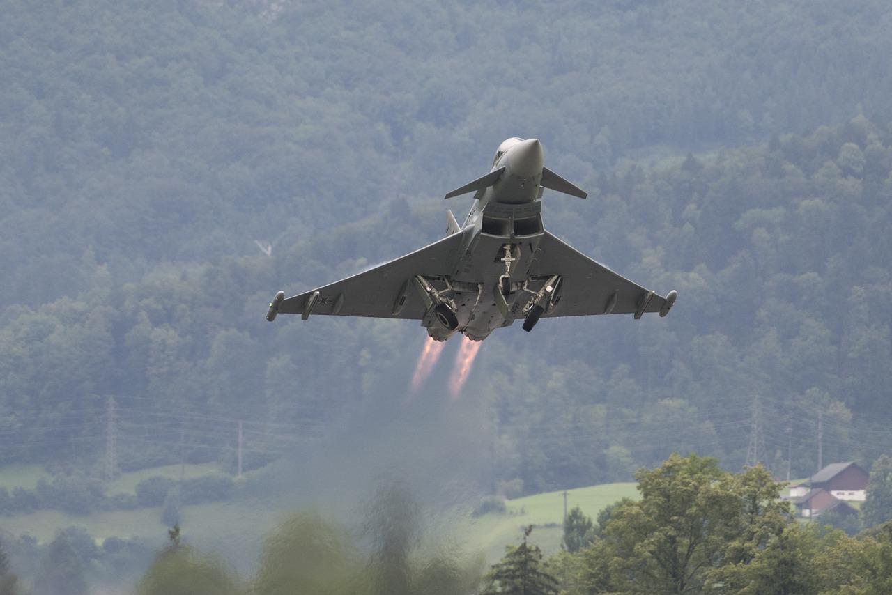 Vyšetřování nehody dvou Eurofighterů je v plném proudu