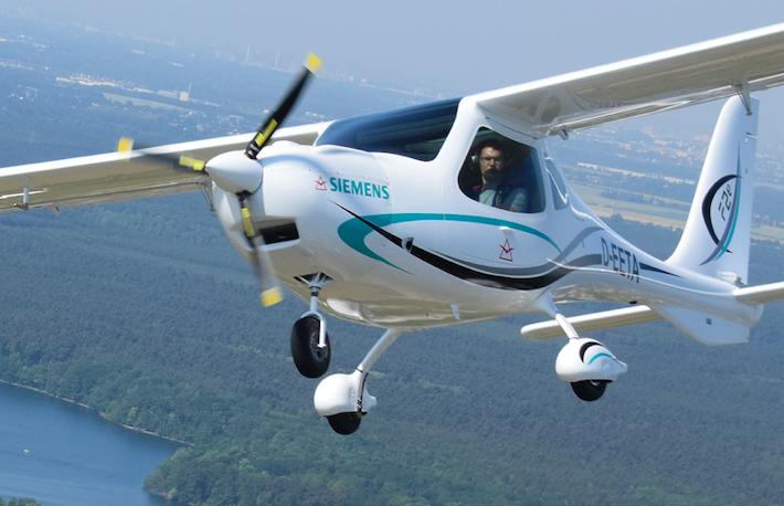 Flight Design představil sportovní letoun s elektrickým pohonem