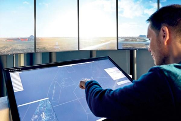 V Norsku poprvé na komerčním letu otestovali řízení skrze vzdálenou věž