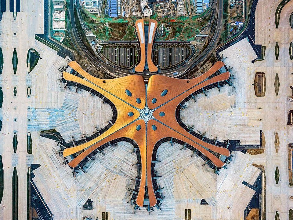 Pozvolný start nového letiště v Pekingu