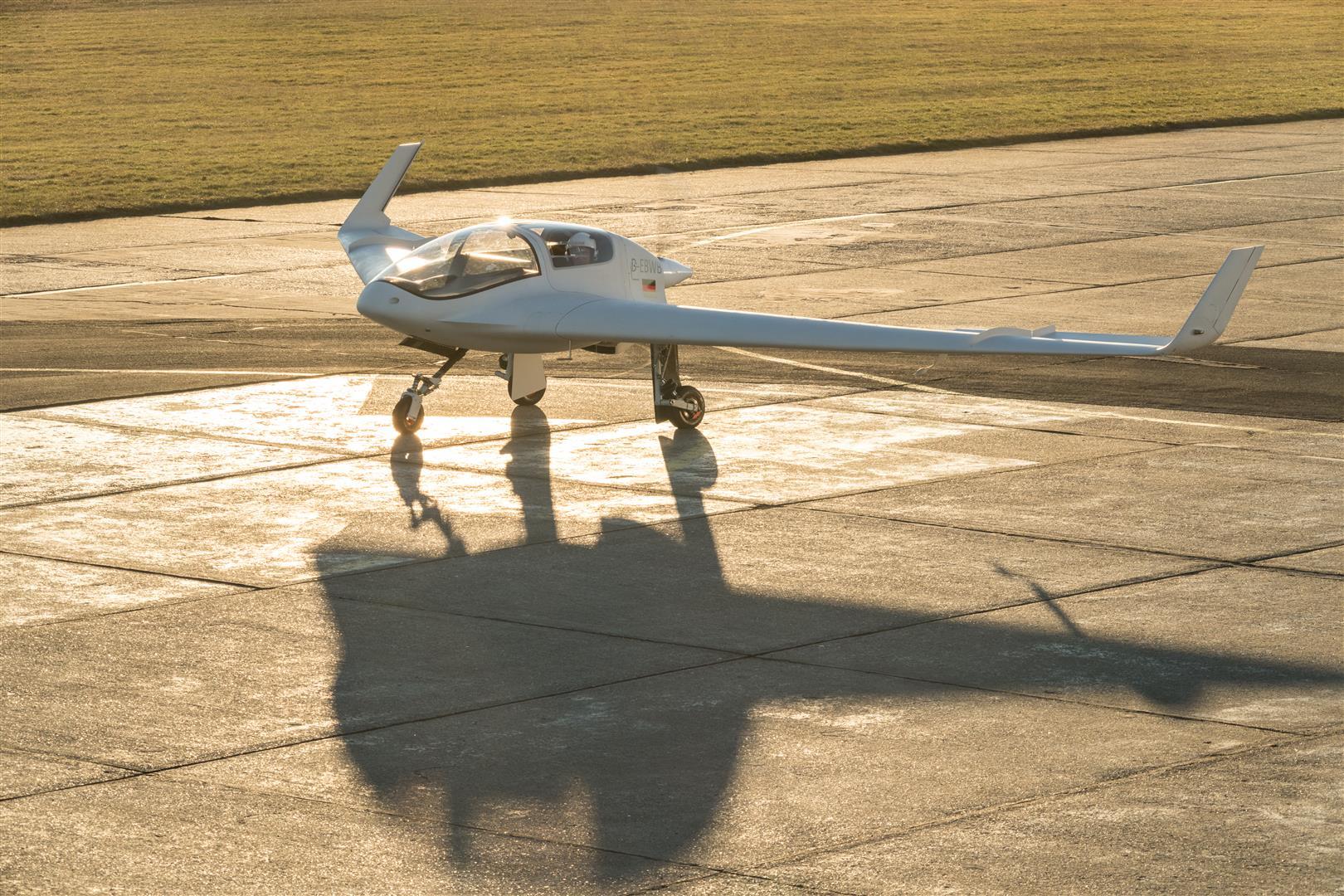 Samokřídlo Horten HX-2 úspěšné absolvovalo sérii testovacích letů