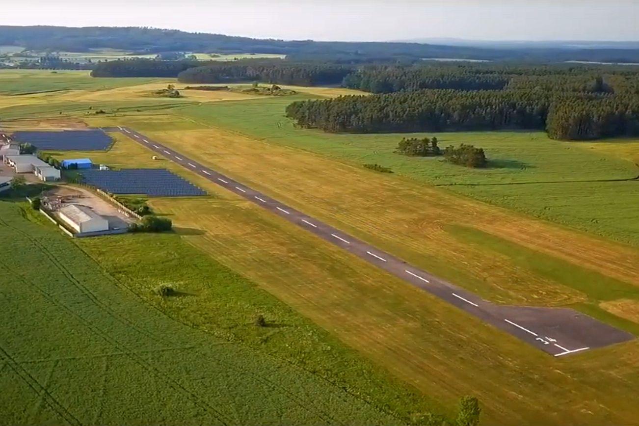 Primoco UAV zve na slet ultralehkých letounů na letišti Písek - Krašovice