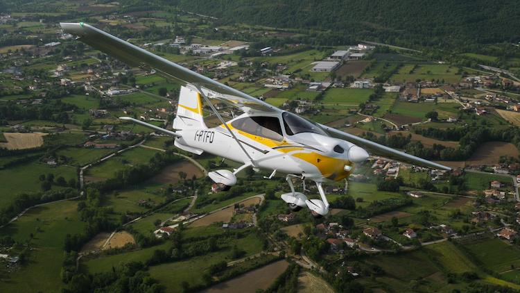 Tecnam včera představil dieselovou verzi letounu P2010
