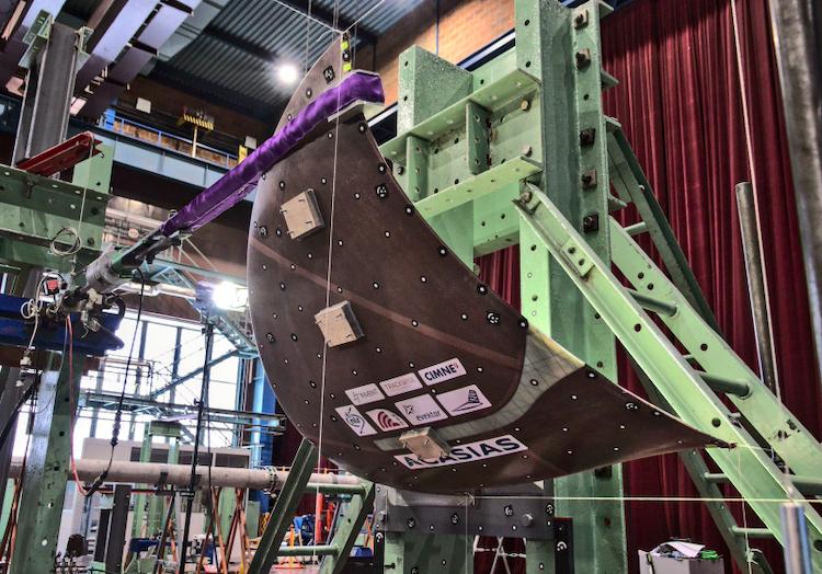 VZLÚ vyvinul nový typ wingletů s integrovanou anténou