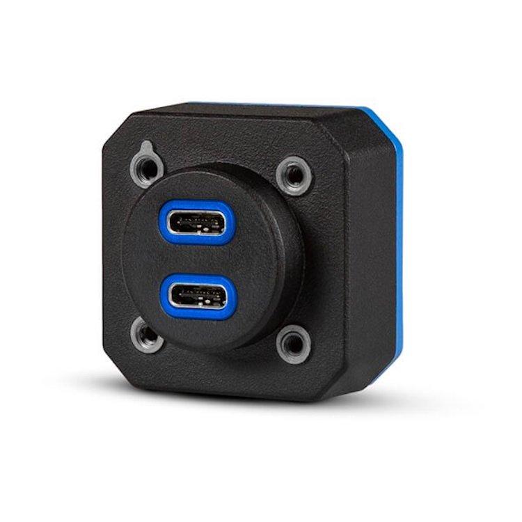Garmin představil vylepšenou palubní nabíječku s lepším výkonem a USB C