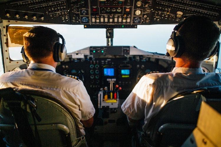 F AIR nabízí ATPL i v češtině za 32 000 Kč včetně bonusu na létání