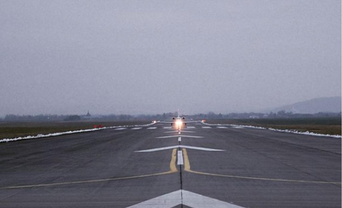 Dráhy letiště v Mnichově Hradišti ponesou od června nové označení