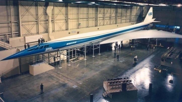 Půlstoletí od zrušení projektu Boeing 2707