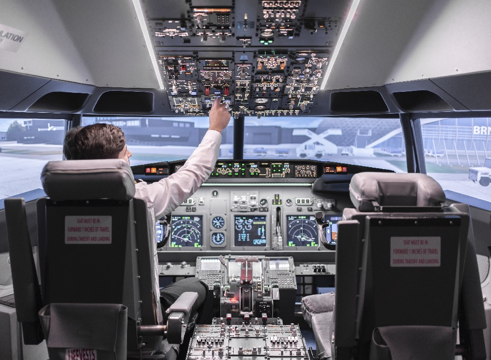 Kurzy létání na simulátoru pro profesionální piloty