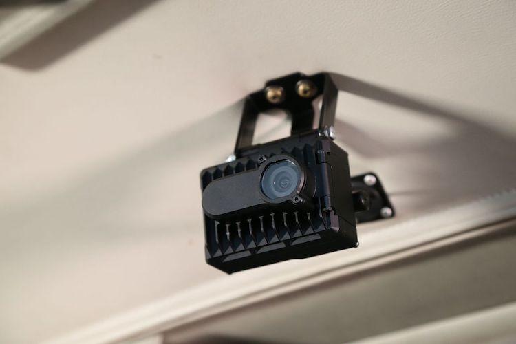 Nová kamera AIRS 400 kromě videa a zvuku zaznamená také letové údaje