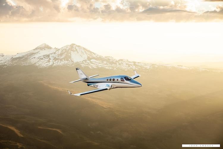 Stratos Aircraft představil proudový letoun ze stavebnice