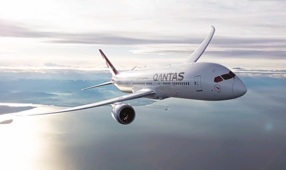 Qantas pokořil rekordy pro nejdelší komerční let